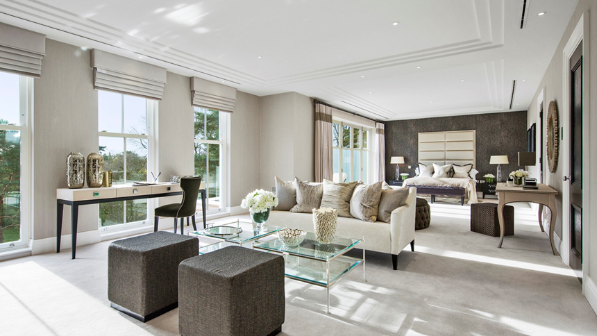 Falconwood House master bedroom suite