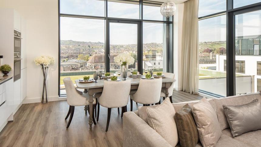 Bath Riverside living / dining area