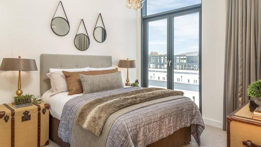 Bath Riverside second bedroom