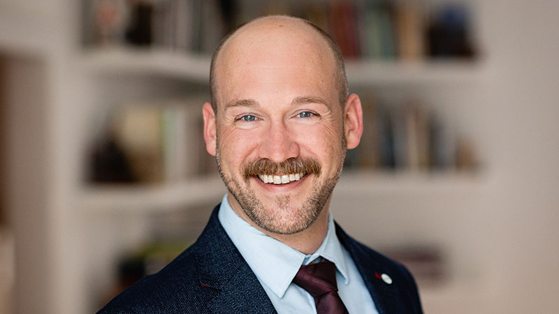Dr Brian Beach